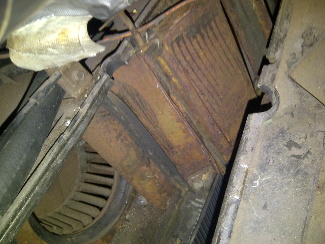 Rusty Heater Core compartment before I treated it.